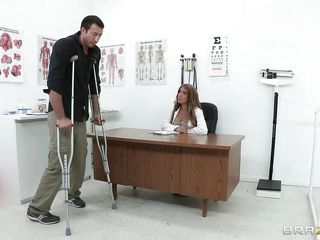 Секс в присутствии врача