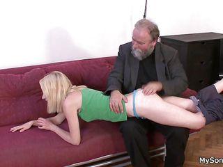 Порно зрелых баб в трусах