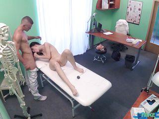 Ретро порно у врача